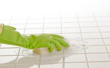 cách làm sạch nền nhà vệ sinh