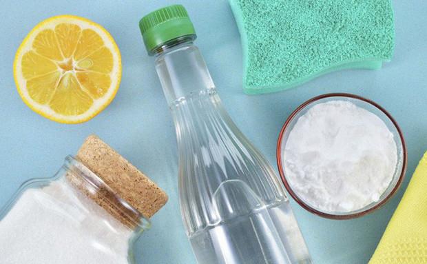 Tẩy rửa và làm sạch phòng tắm, phòng vệ sinh với baking soda