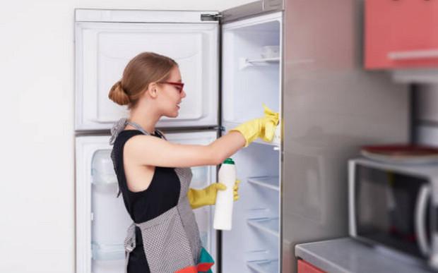 vệ sinh tủ lạnh định kỳ, thường xuyên