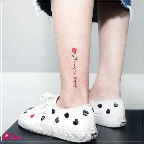 hình xăm hoa hồng nhỏ đẹp ở chân