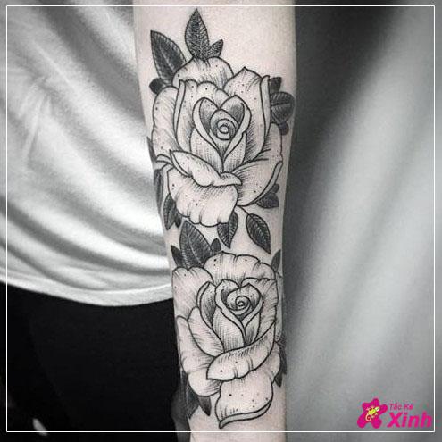 hình hoa hồng ở cánh tay