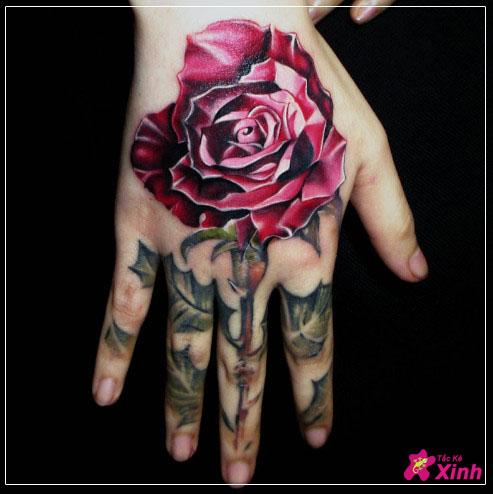 Tattoo hoa hồng ở tay đẹp nhất