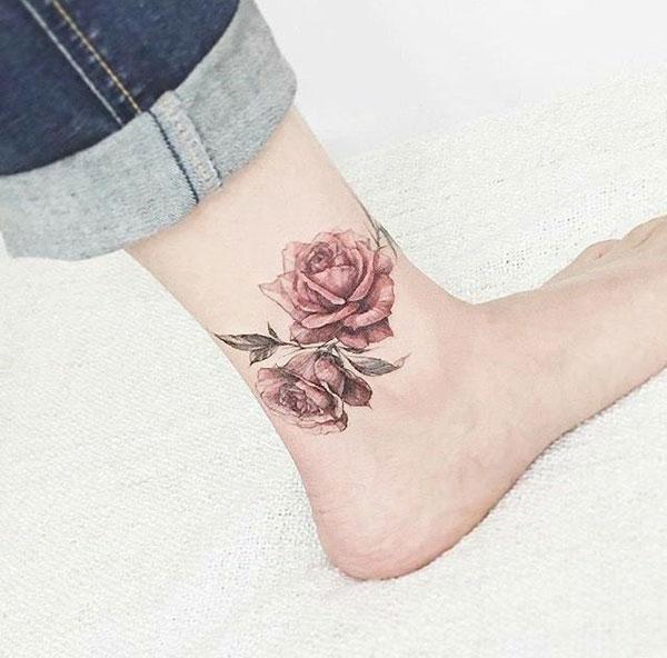 Hình xăm hoa hồng ở chân 01