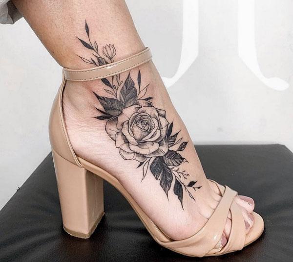 Hình xăm hoa hồng ở chân 04