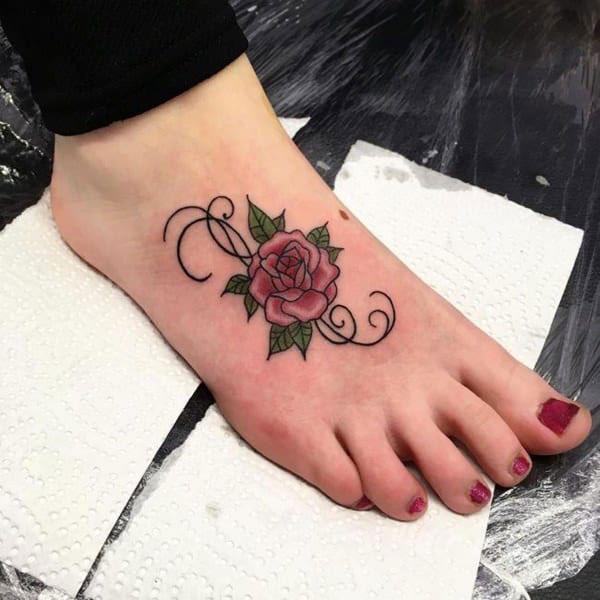 Hình xăm hoa hồng ở chân 07