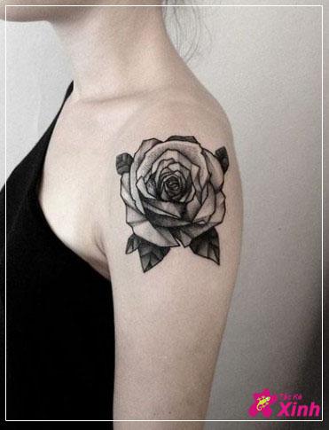 Tattoo hoa hồng ở vai cho nữ đẹp nhất 003
