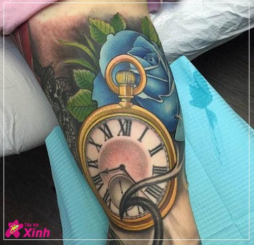 hình xăm hoa hồng và đồng hồ kín tay 003