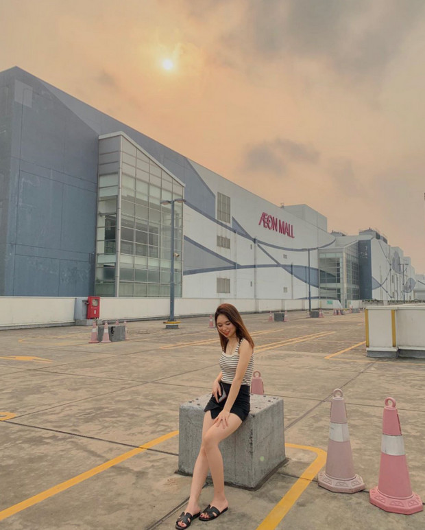 chụp ảnh ootd tại AEON Mall Long Biên