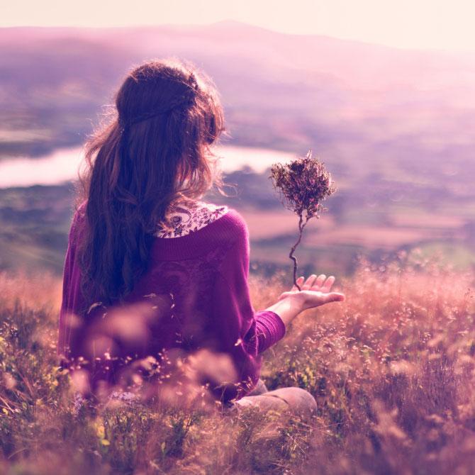 Hình ảnh cô gái buồn đẹp trong chuyện tình yêu