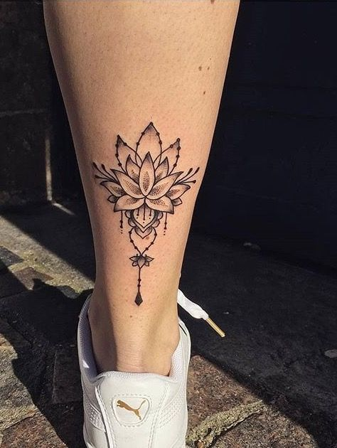 mẫu hình xăm hoa sen ở bàn chân đẹp nhất 01