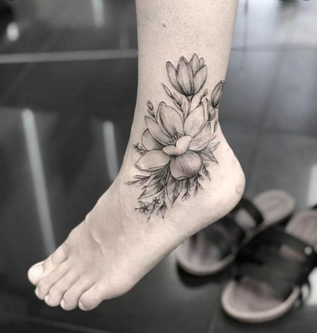 mẫu hình xăm hoa sen ở bàn chân đẹp nhất