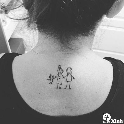 hình xăm nhỏ sau lưng cho nữ