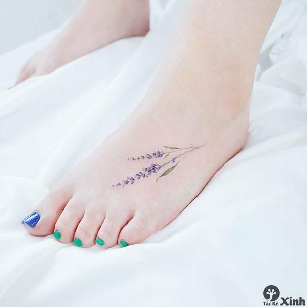 hình xăm nhỏ cho nữ ở bàn chân