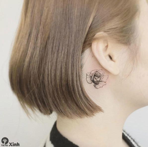 hình xăm nhỏ cho nữ sau tai 01