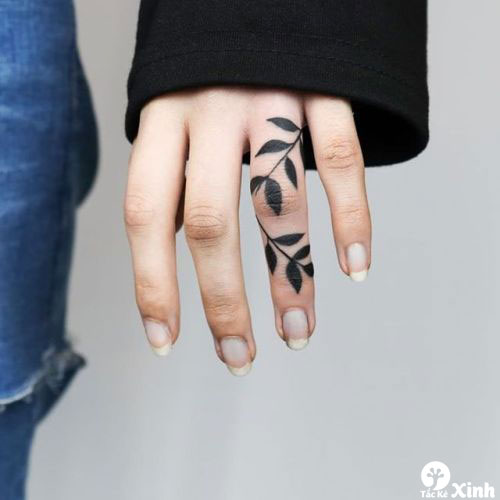 hình xăm mini ở ngón tay cho nữ 02
