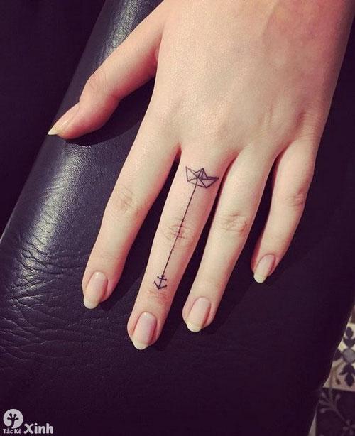 hình xăm mini ở ngón tay cho nữ 04