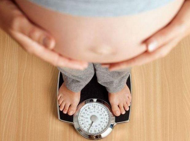 Cân nặng của mẹ bầu ảnh hưởng như nào đến sức khỏe thai nhi