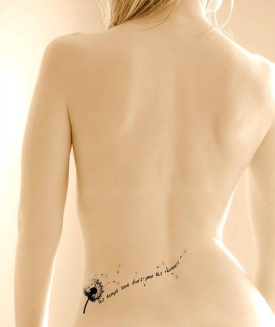 Hình xăm bồ công anh ở eo cho nữ đẹp nhất 08