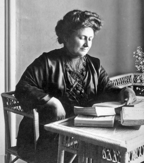 bà Maria Montessori