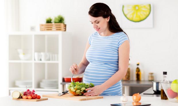 yếu tố ảnh hưởng đến cân nặng thai nhi- chế độ sinh hoạt của mẹ