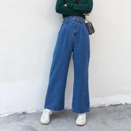 phối đồ phong cách vintage - quần jeans cạp cao ống loe