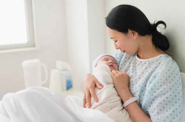 mùng 1 đầu tháng kiêng thăm hỏi phụ nữ mới sinh