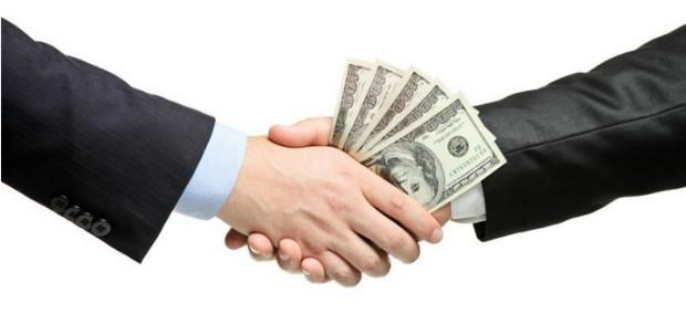 mùng 1 đầu tháng kiêng không xuất tiền hoặc vay mượn tiền