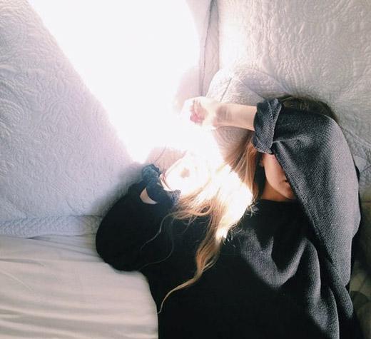 hình ảnh phụ nữ mệt mỏi 09