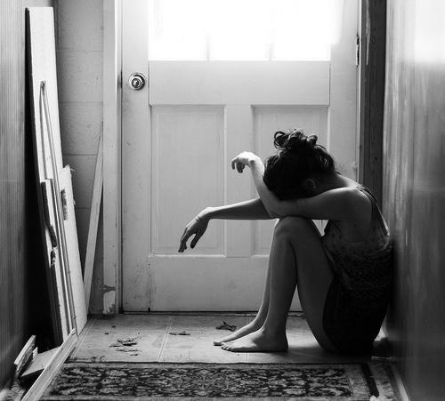 hình ảnh phụ nữ mệt mỏi 12