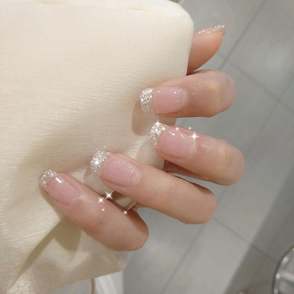 mẫu nail đẹp cho cô dâu trong ngày cưới 01