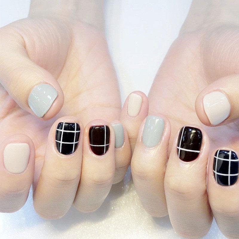 mẫu nail đẹp kẻ sọc 04