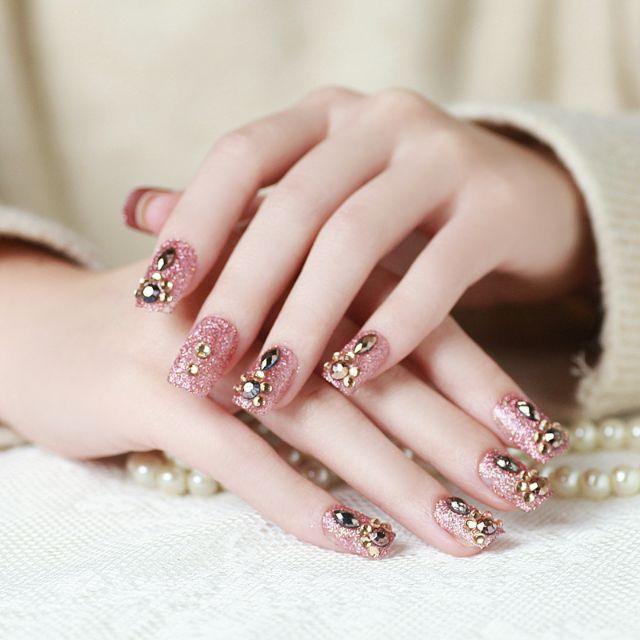 mẫu nail đính đá đẹp nhất 05
