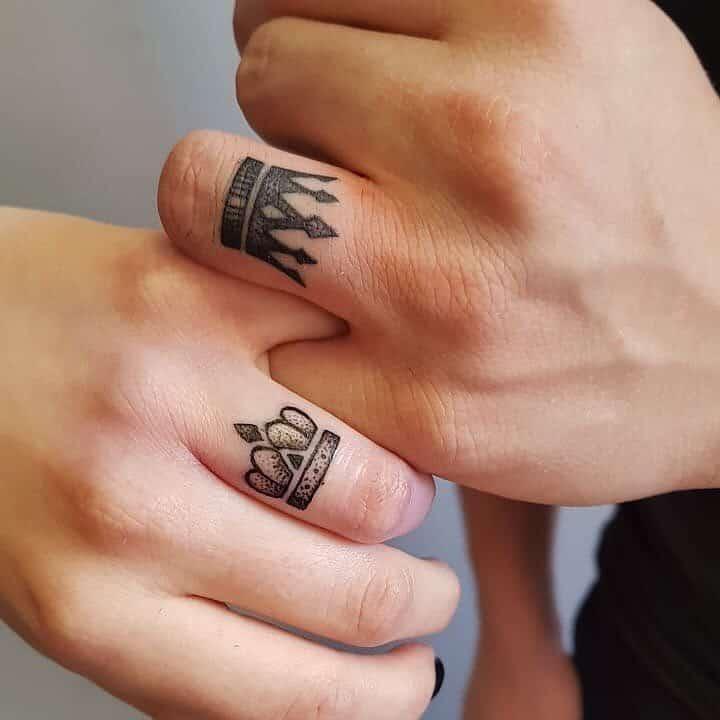 Hình xăm đôi ở ngón tay 09