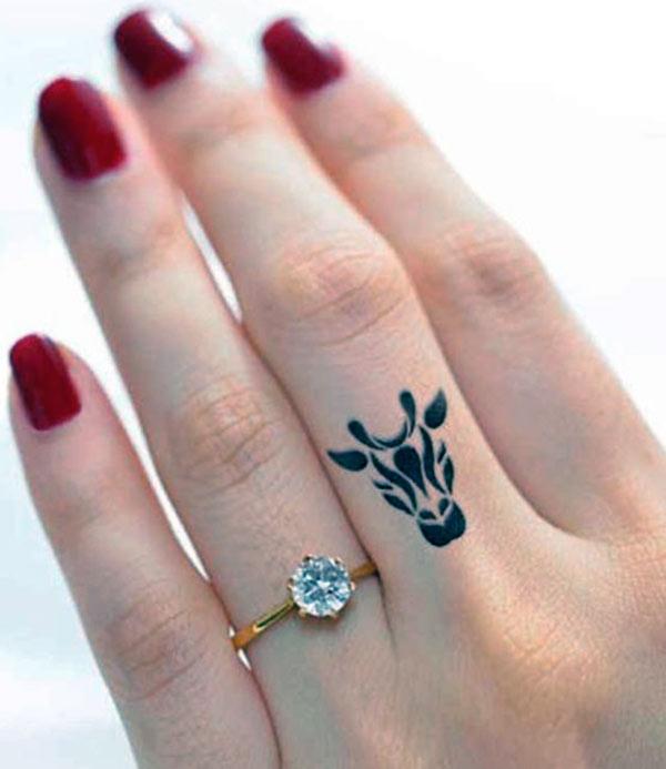 Hình xăm ngón tay nữ đẹp 016