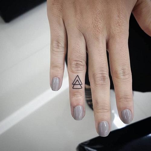 Hình xăm ngón tay nữ đẹp 021