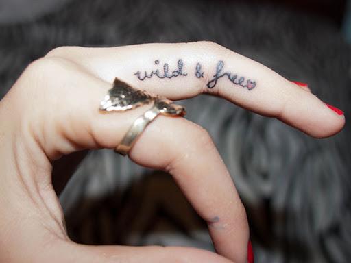 Hình xăm ngón tay nữ đẹp 023