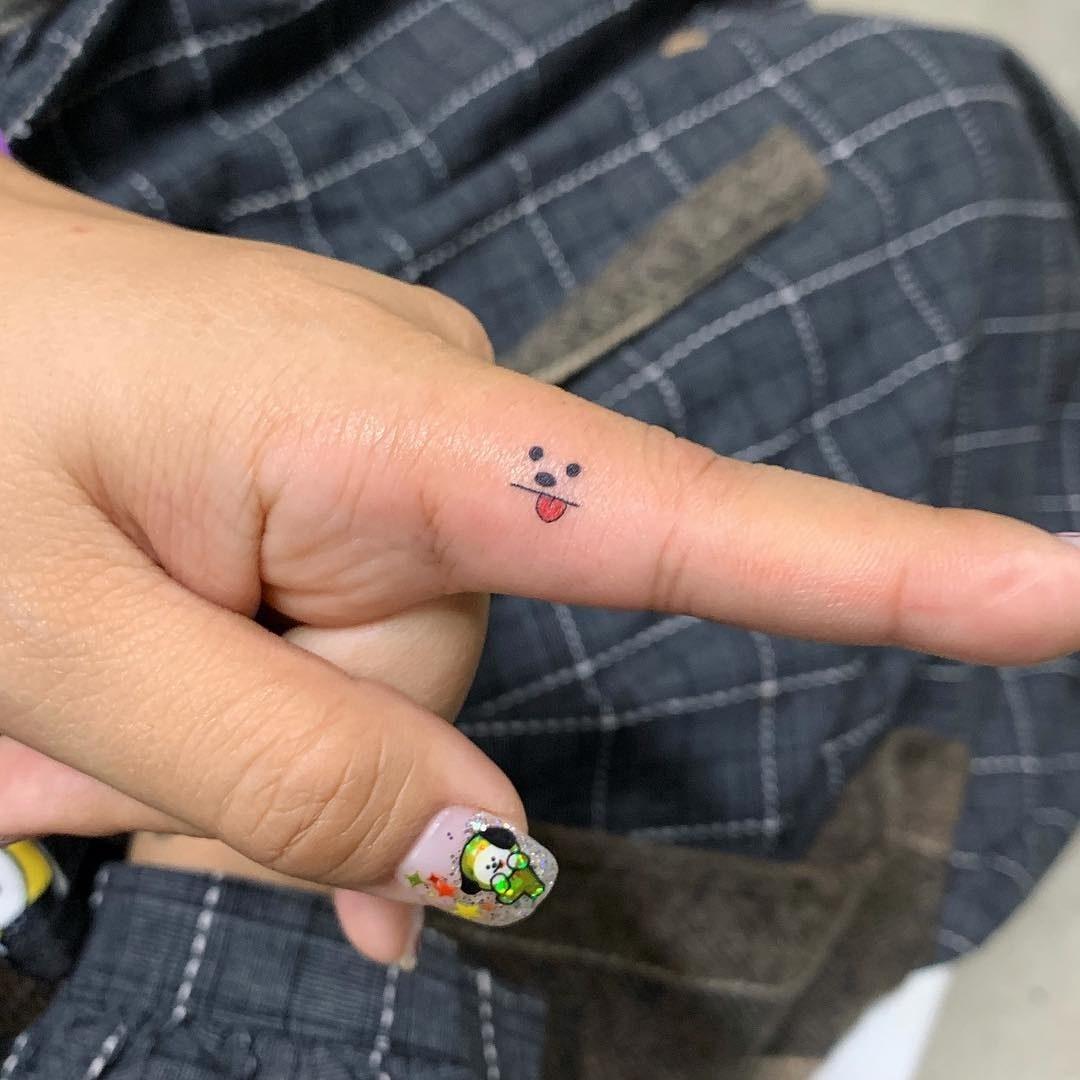 Hình xăm ngón tay nữ đẹp 025