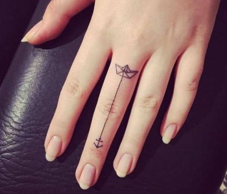 Hình xăm ngón tay nữ đẹp 05