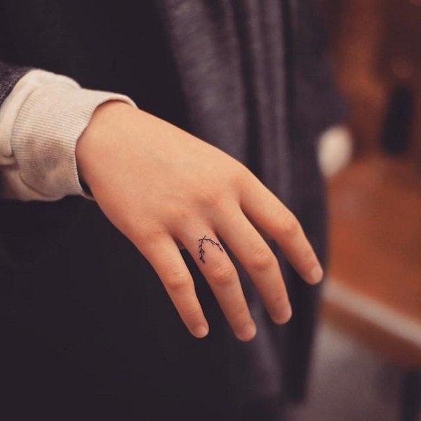 Hình xăm ngón tay nữ đẹp 06