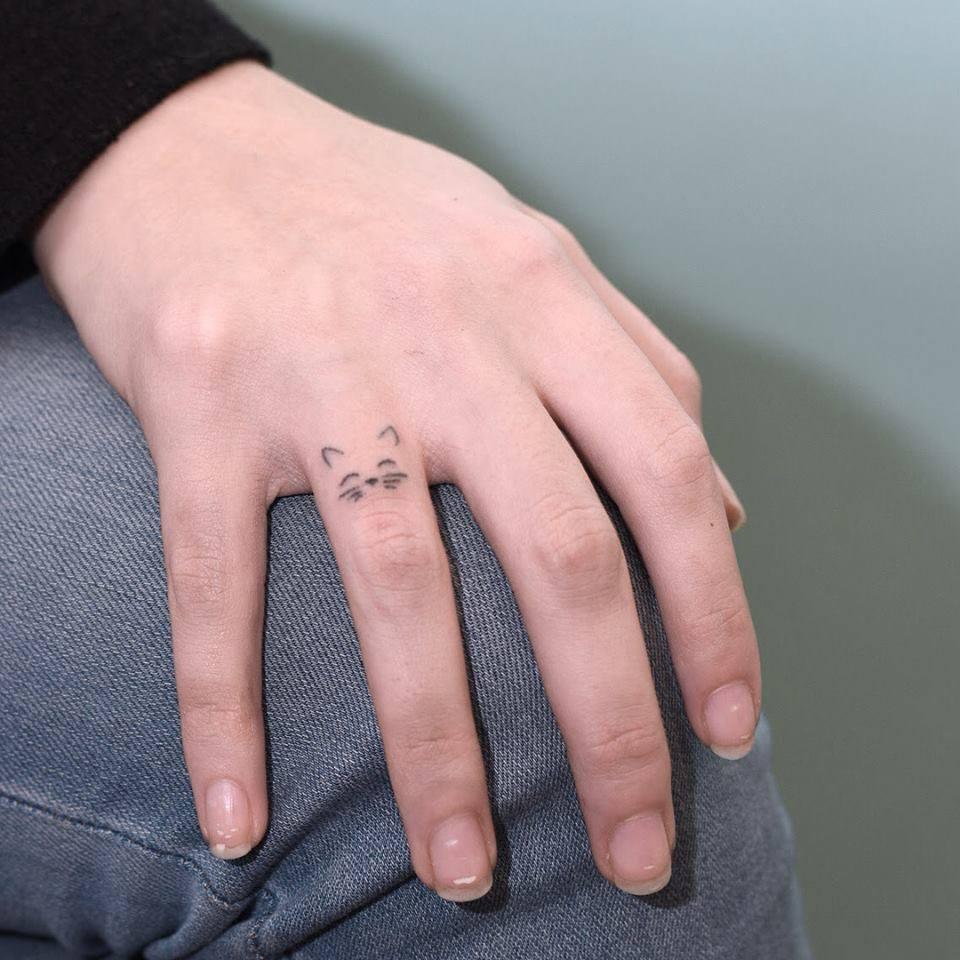 Hình xăm ngón tay nữ đẹp 07
