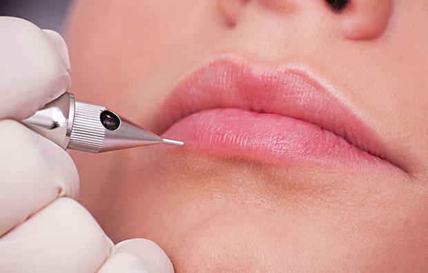 xăm môi là gì
