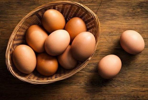 Xăm môi kiêng ăn trứng gà