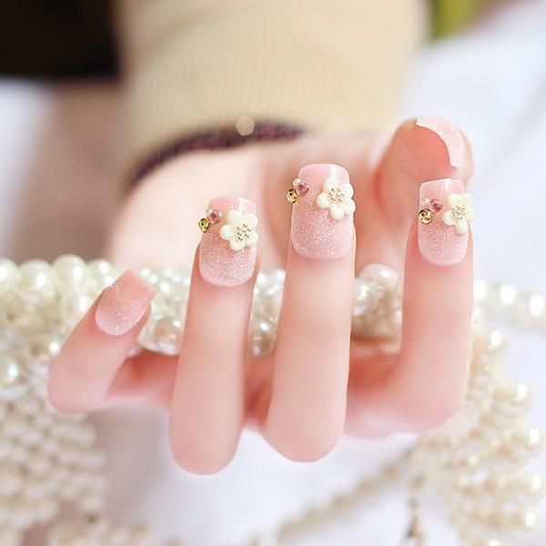 mẫu nail cô dâu đính đá 03