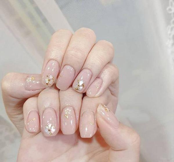 Mẫu nail cô dâu đơn giản 04