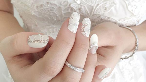 Mẫu nail cô dâu kiểu ren 01