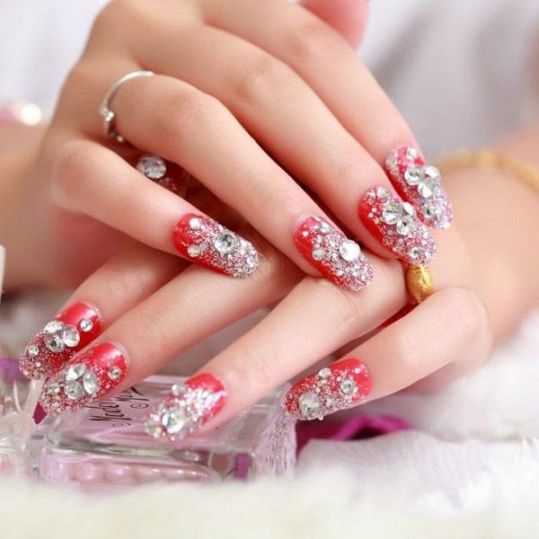 Mẫu nail cô dâu màu đỏ 01