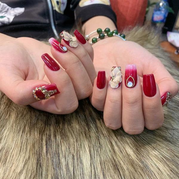 Mẫu nail cô dâu màu đỏ 03