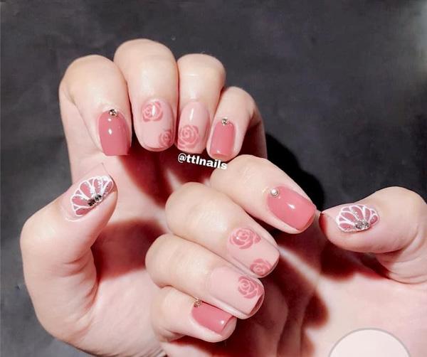 Mẫu nail cô dâu màu hồng 04