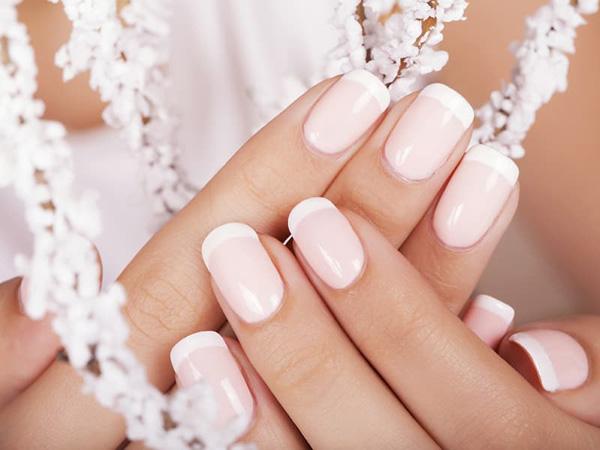 Mẫu nail cô dâu màu trắng 01