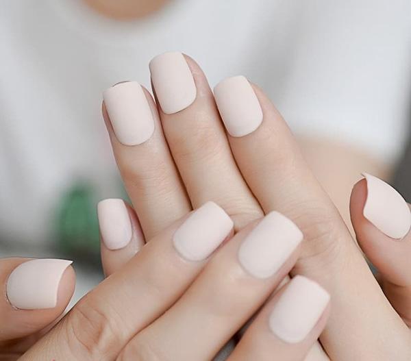 Mẫu nail cô dâu màu trắng 05